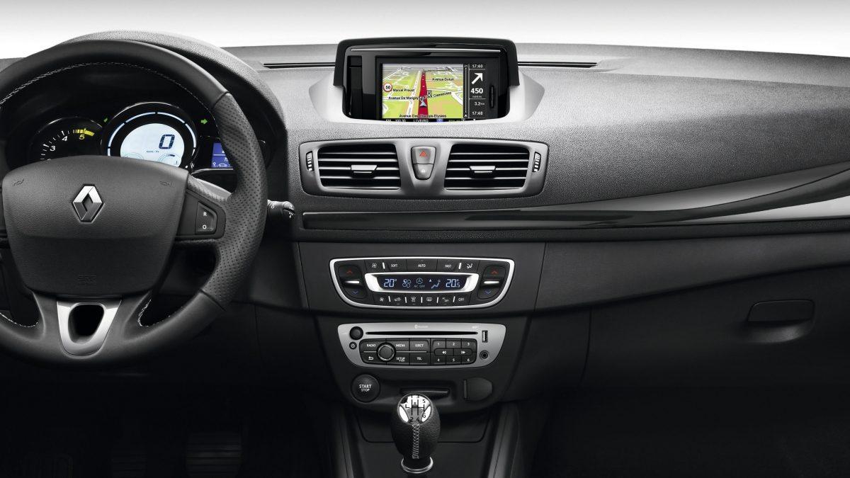 Renault Carminat TomTom Live fabrička navigacija