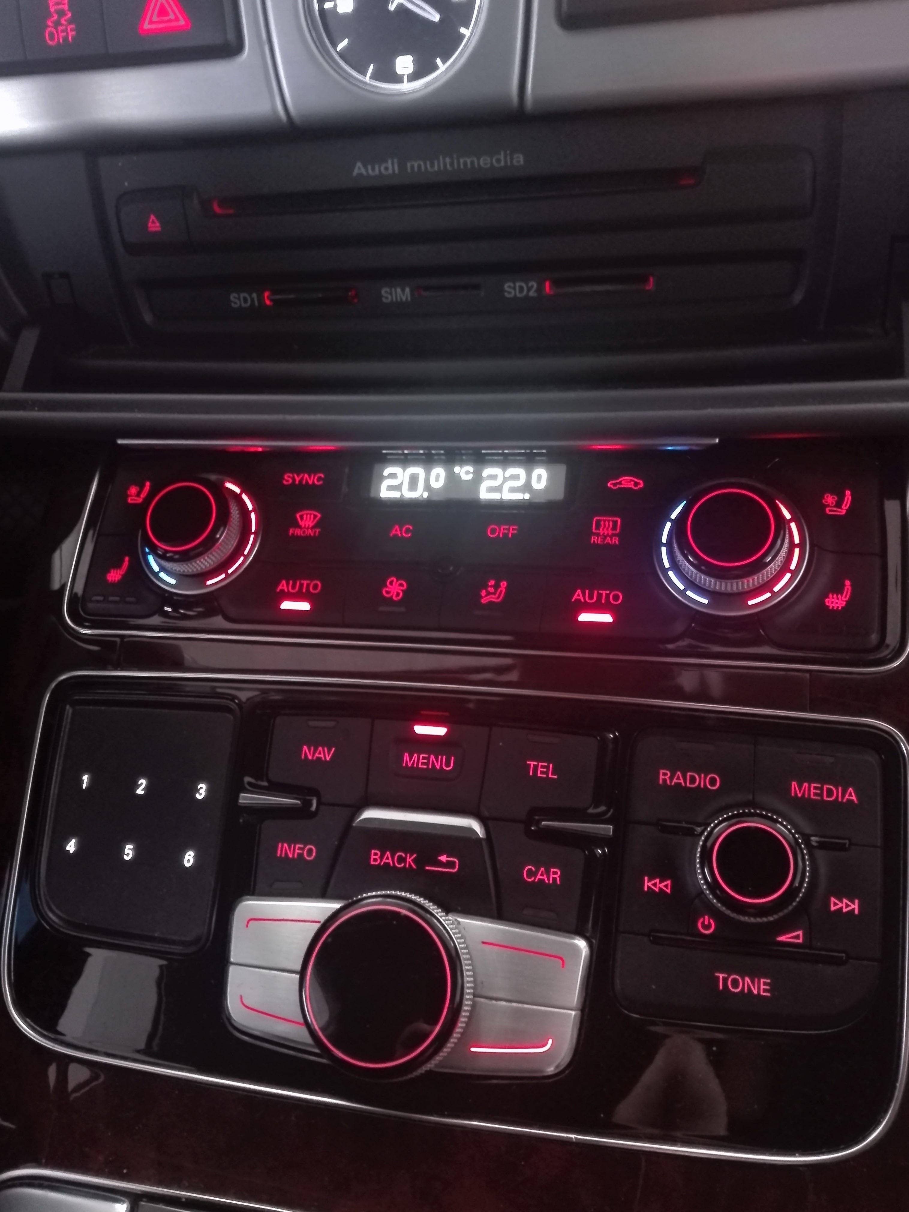Audi MMI 3G Plus A8 fabrička navigacija